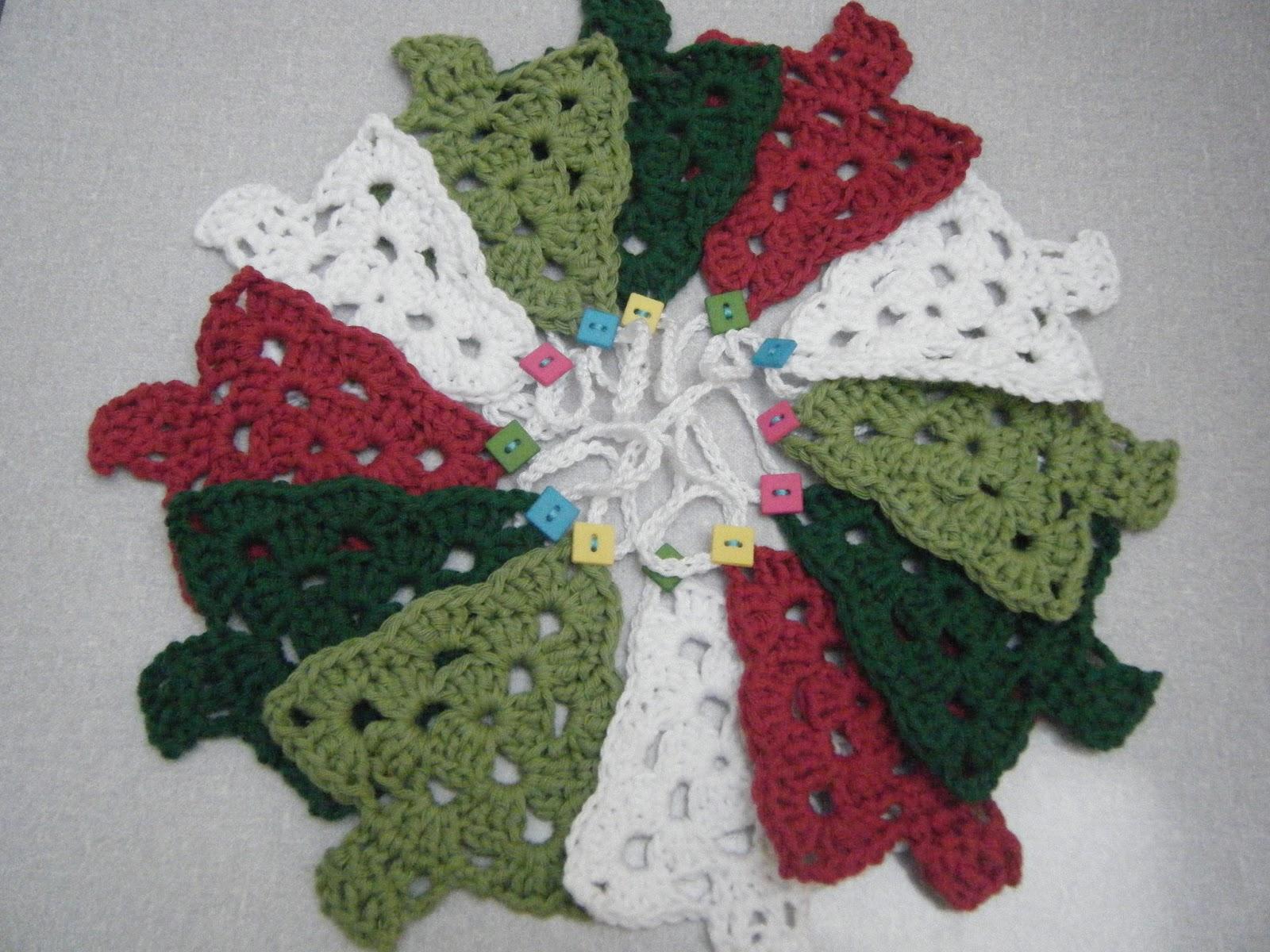 Crochet Christmas Tree Bunting
