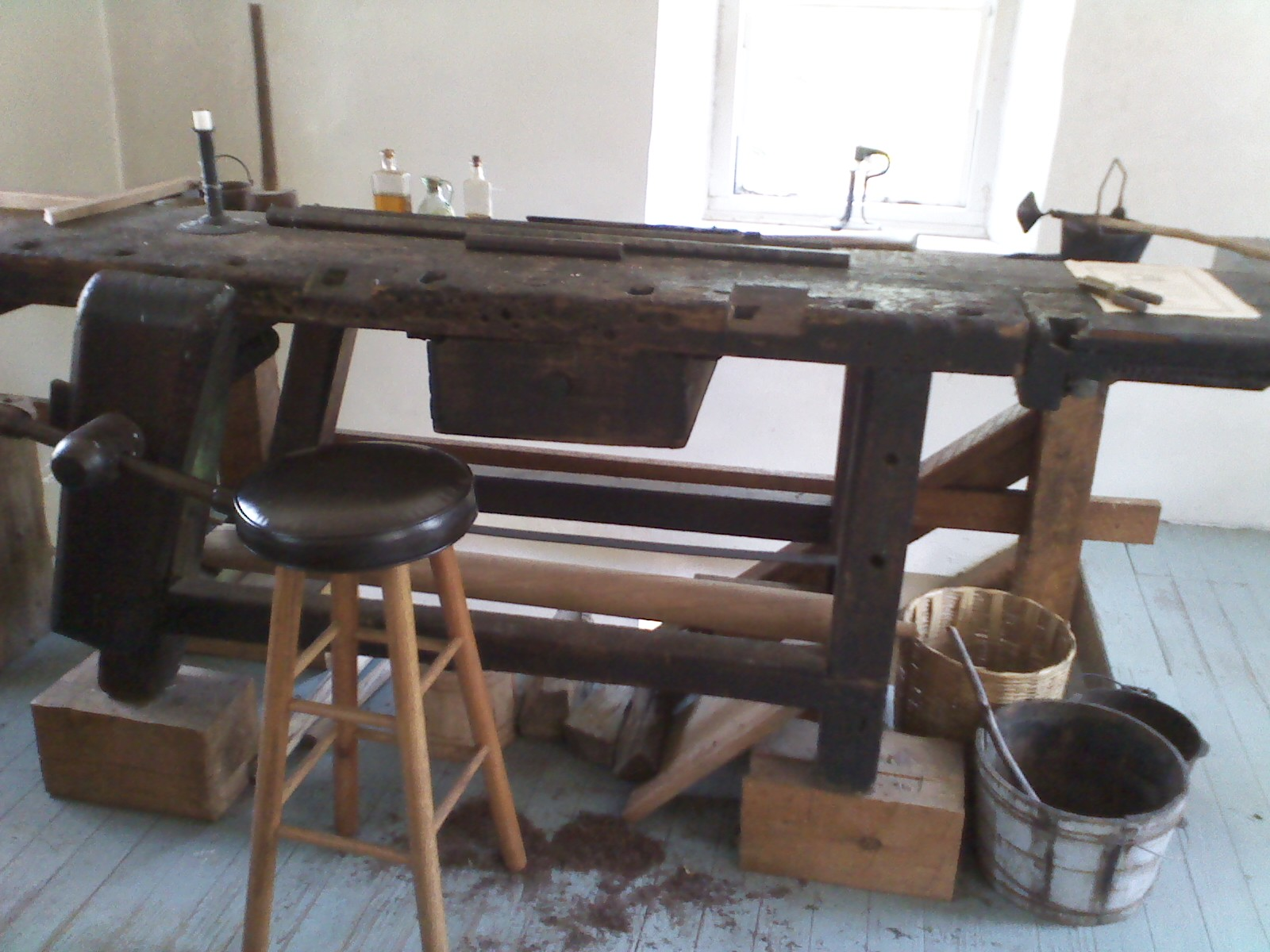 Awesome DIY Antique Woodworking Bench Plans Free