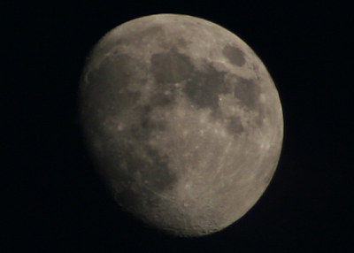 moon photo with Canon EF 75-300mm 1:4-5.6 III