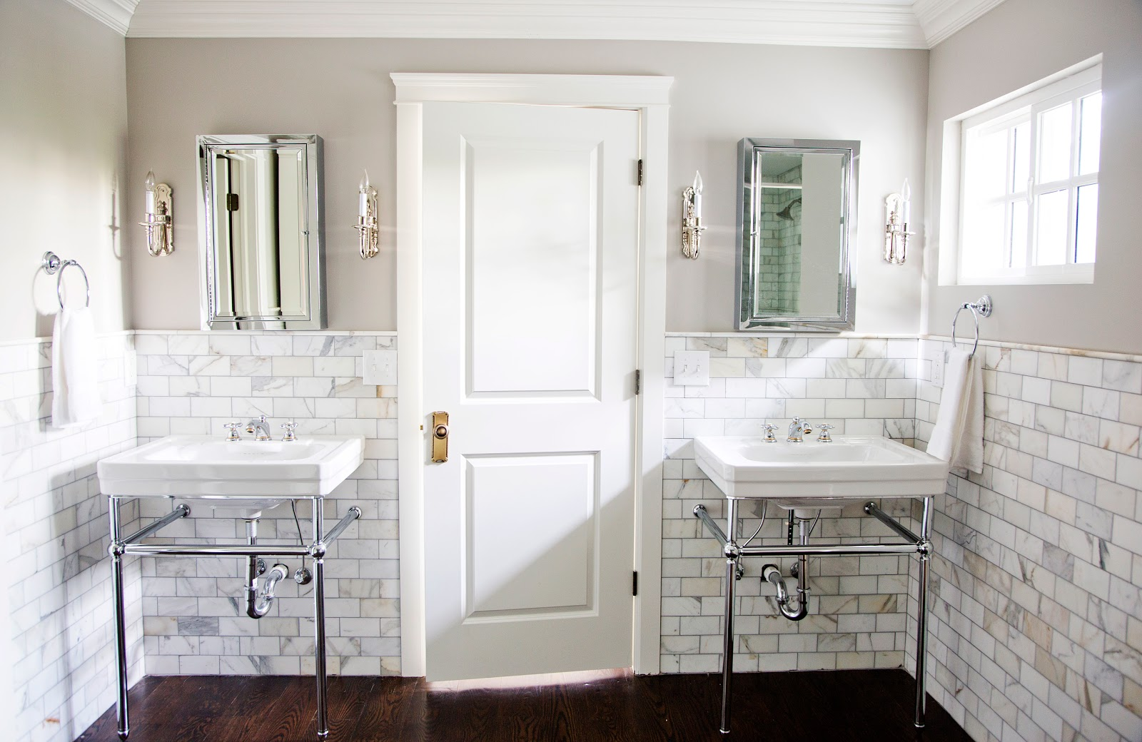 white gold another peek my master bath. Black Bedroom Furniture Sets. Home Design Ideas