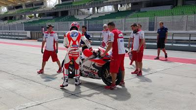 Baru Sehari Pakai Motor MotoGP, Ini Caci-Makian Stoner