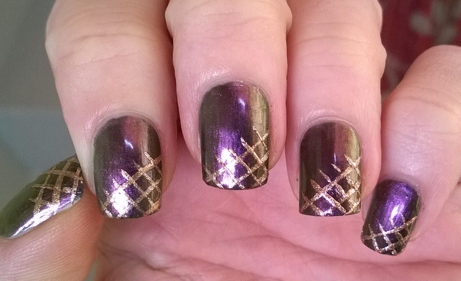Life World Women Sparkly Metal Flip Nail Art In Colors Of Purple