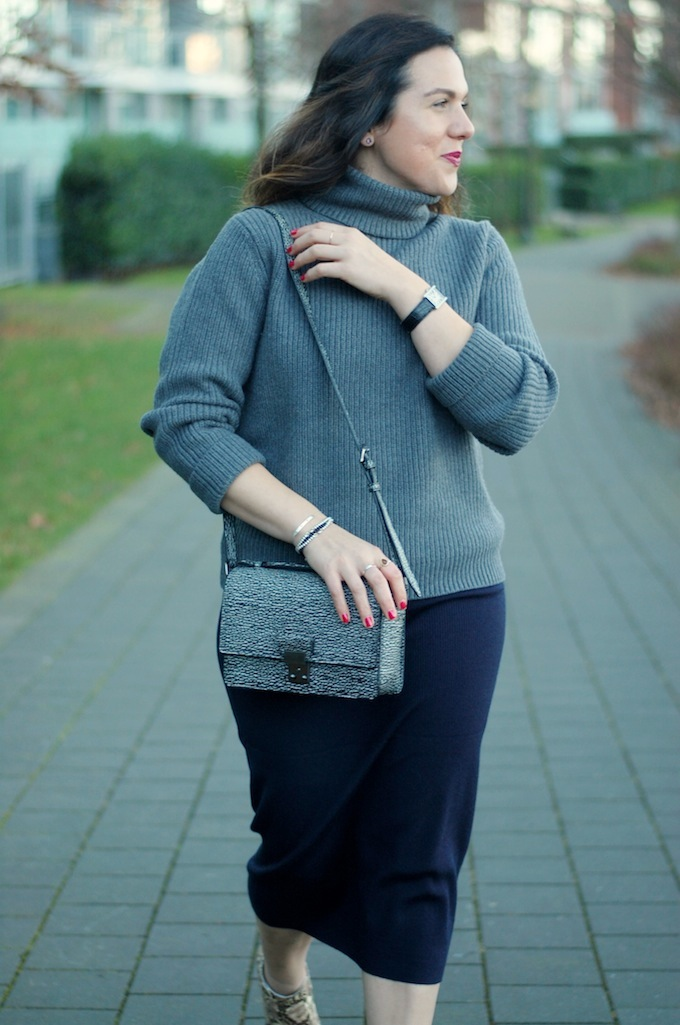 Wilfred Turtleneck sweater and Joe Fresh midi pencil skirt outfit idea