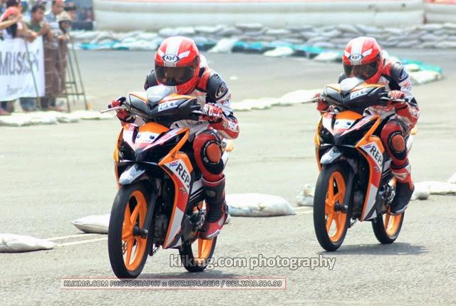 Honda Racing Championship 2014 - Aksi Jawara Balap Motor One Heart Honda di GOR Satria Purwokerto - oleh KLIKMG Photographer Indonesia