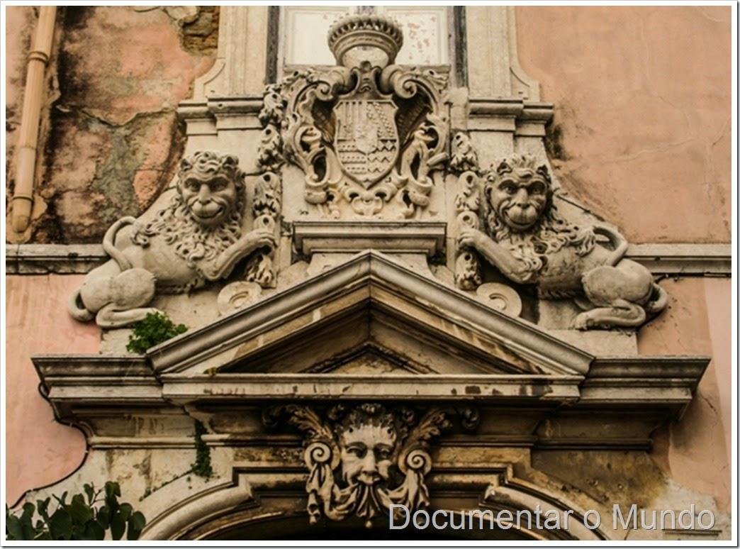 Brasão dos Marqueses de Ponte de Lima; Palácio da Rosa; Mouraria