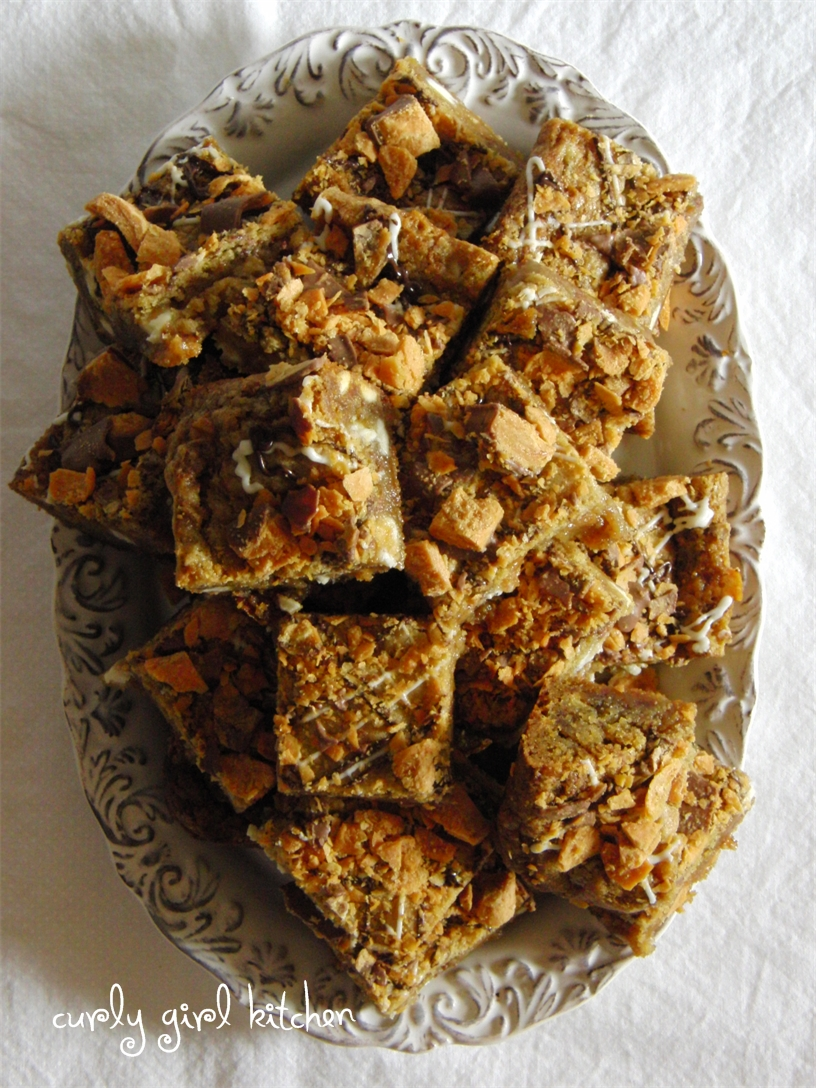 Curly Girl Kitchen: Butterfinger Cookie Bars