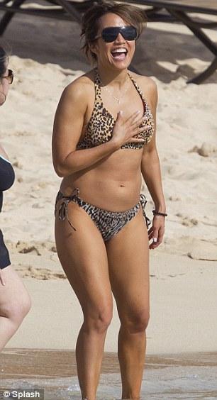 Carrie Ann Moos im Bikini