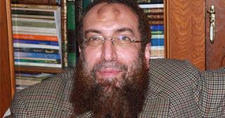 احتجاز ياسر برهامي بالمطار أثناء berhamy.jpg
