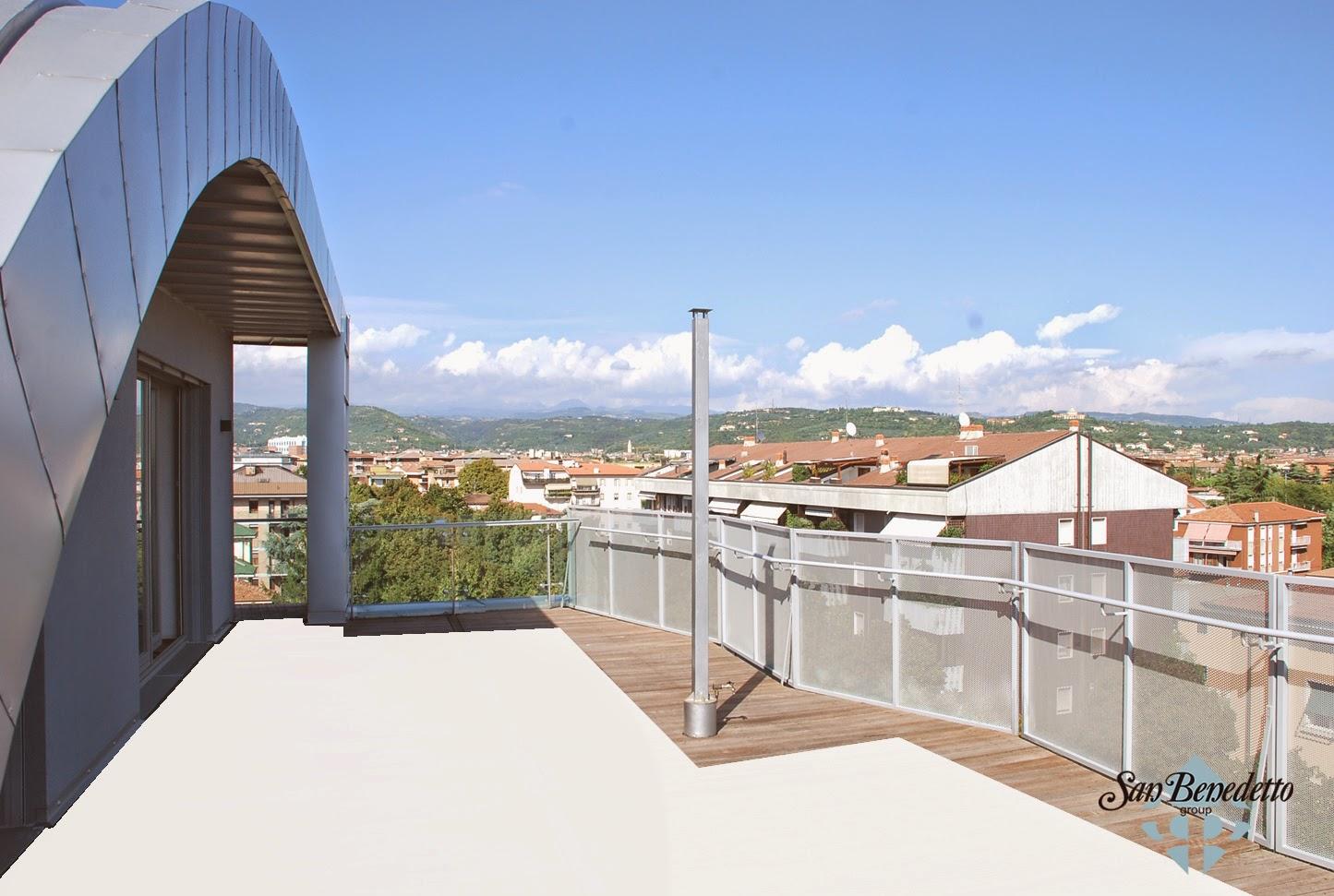 Illuminazione Terrazzo Attico: Mansarde e attici immobiliare pozzo ...