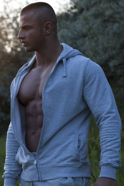 Erko Jun • Bodybuilder, Male Model and Personal Trainer