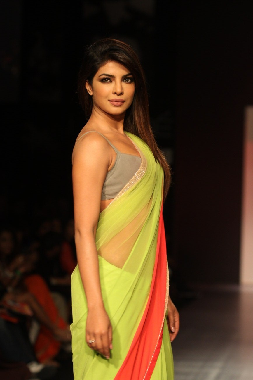 Priyanka Chopra Hot In Saree | Tollywoodtv