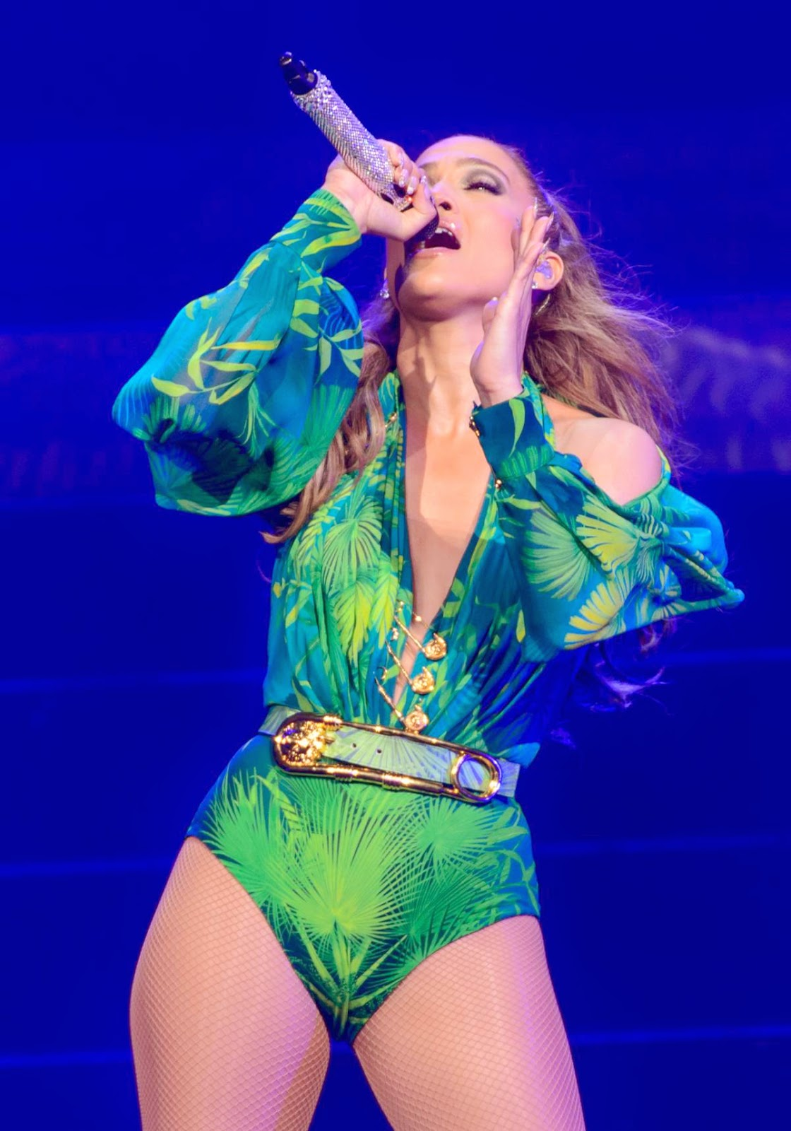 Jennifer Lopez Hot Performence photos Live in Connecticut
