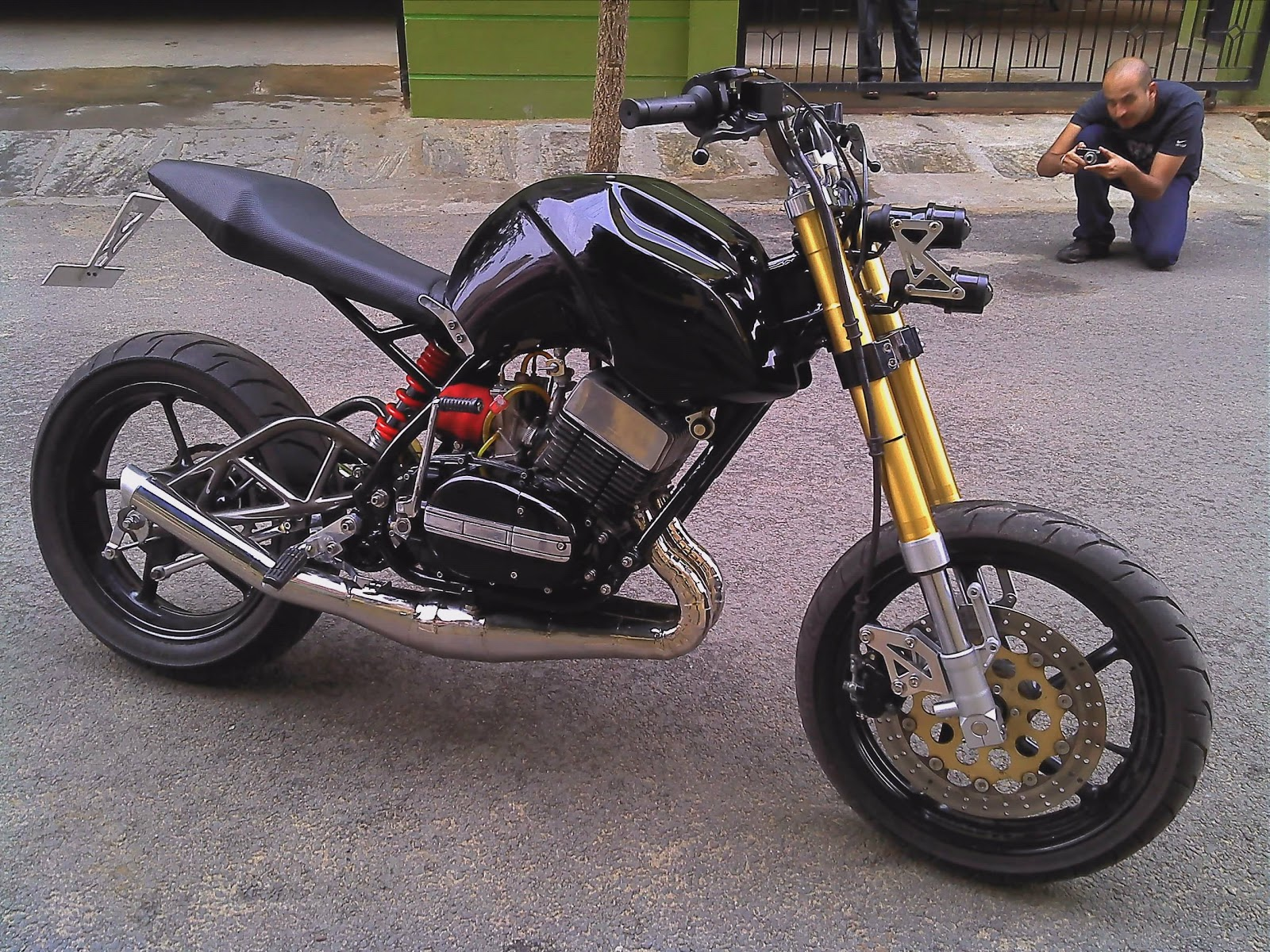 Yamaha Tw200 Modified Street Fighter Motorcy...