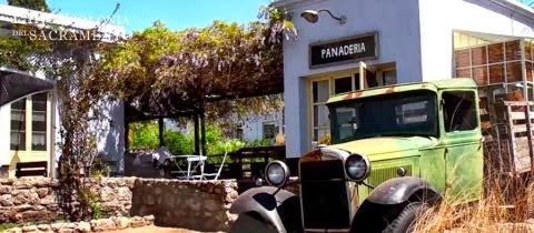 la granja narbona es un chateau al mejor estilo de la campia francesa pero ubicado en ofrece un poco de todo bodega boutique de vinos y