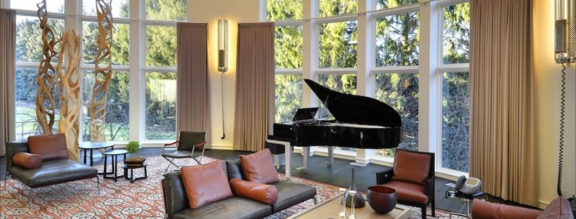 Black piano in Michael Jordan's House