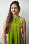 Prayaga Martin Glamorous photos-thumbnail-20