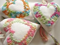 dia dos namorados - sachê de coração bordado