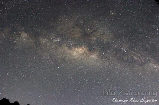 Lihat Galaksi Bima Sakti Membentang Malam Ini