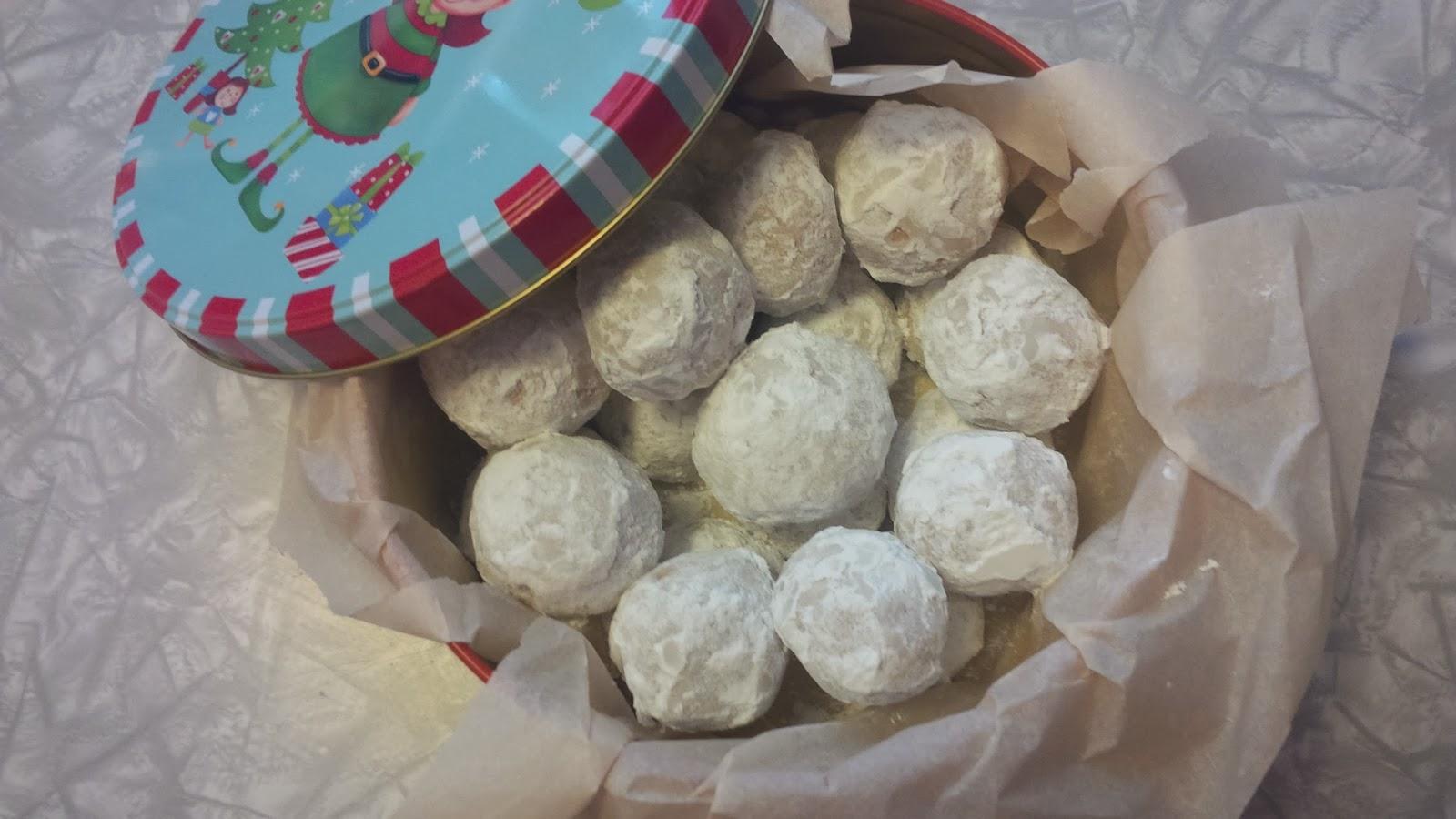 ... Hippie Homestead: Foodie Friday: Gluten-Free Vegan Almond Snowballs