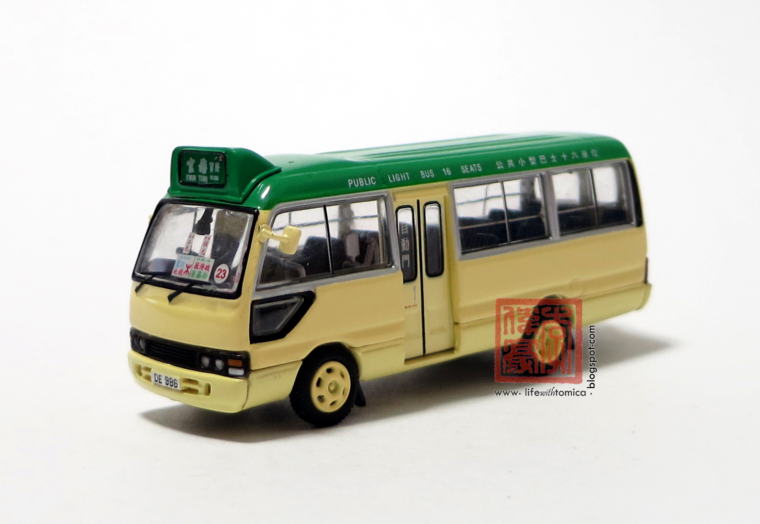 life with tomica hong kong public light bus. Black Bedroom Furniture Sets. Home Design Ideas