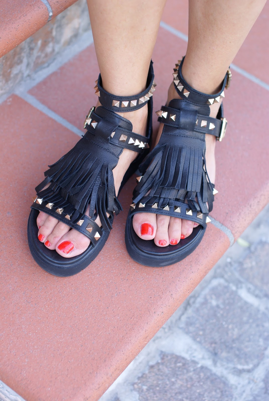 fringed and studded Inuovo sandals on Fashion and Cookies fashion blog, fashion blogger style