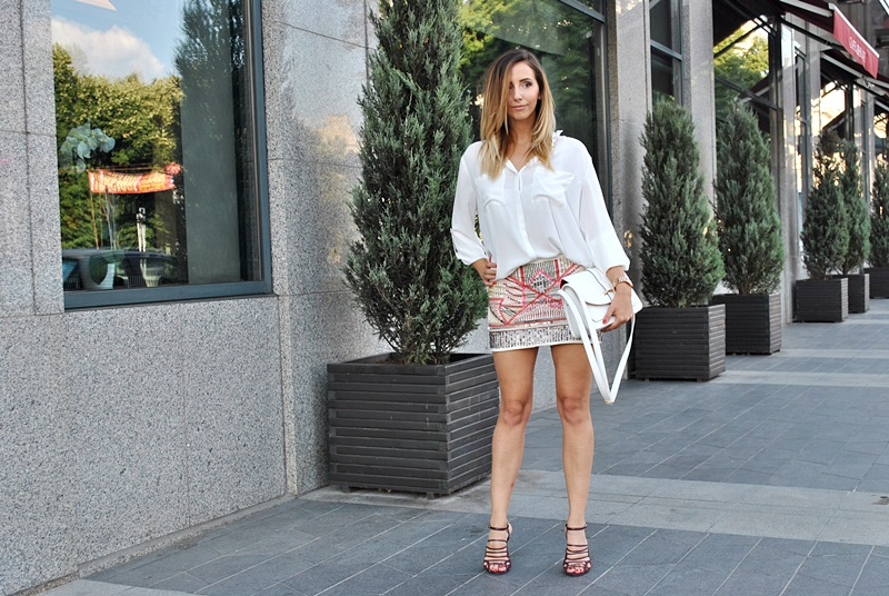 Let`s talk about fashion !: How to wear sequins skirt by day
