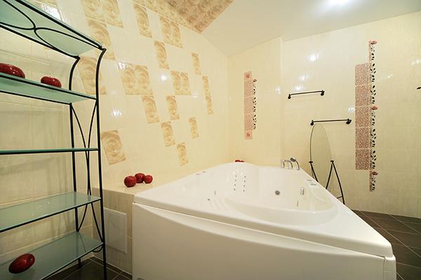 Amenajare baie apartament renovata si modernizata si design interior baie..poze moderne cu mobilier baie si poze amenajare baie bloc..Idei si soluti pt renovare si amenajare.
