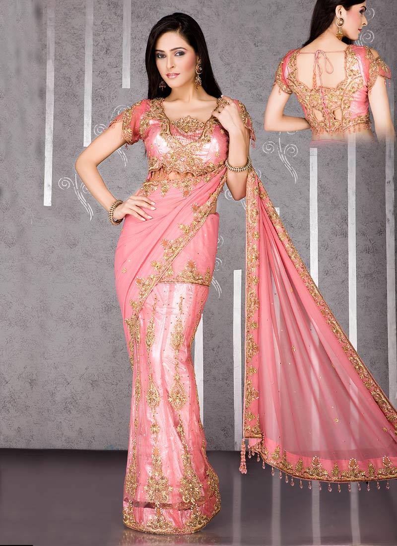 how to wear saree for kuthuvilakku