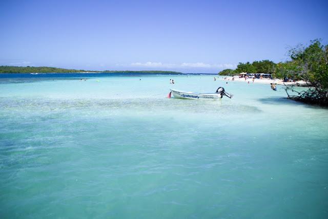 Cayo Playa Sur, también conocida Playa Azul