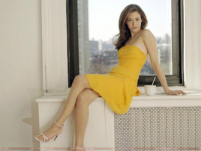 Hollywood Actress Emmy Rossum Hot HD Wallpaper