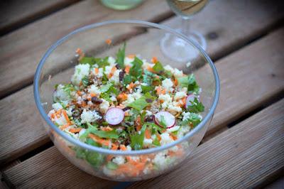 Cous-Cous-Salat mit Stielmus und Dattel-Senf-Dressing