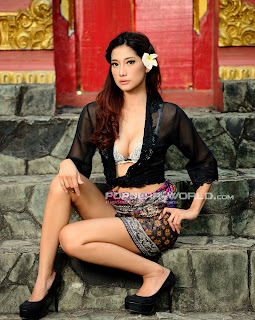 Adelia Rasya for Popular World Magazine, May 2013 (Part 4)