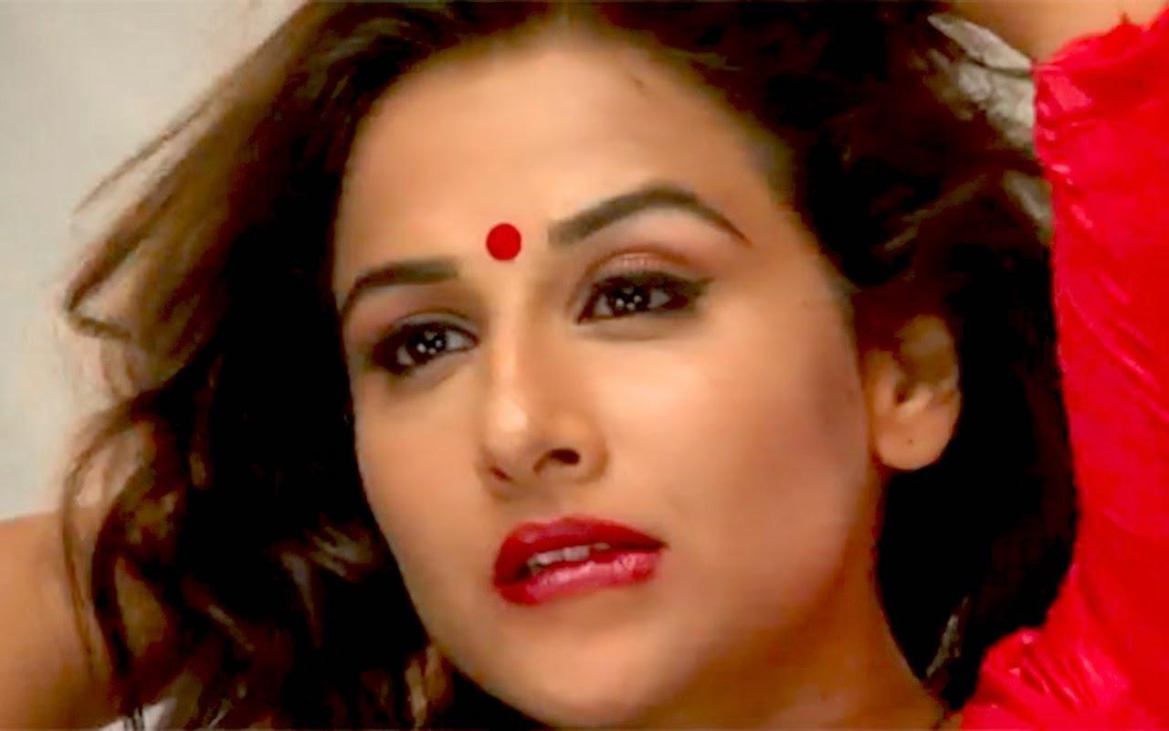 Vidya Balan red lips sexy hot image wallpaper photo