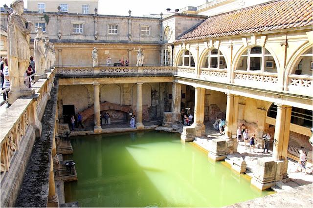 Bath cidade fundada pelos romanos na Inglaterra