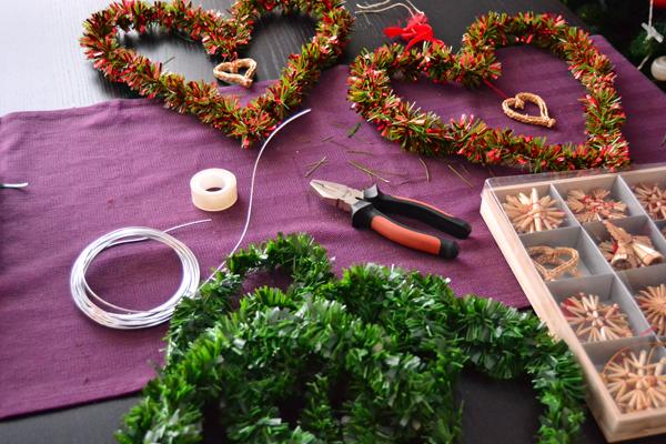 La chica de la casa de caramelo nuestra decoraci n navide a for Coronas de navidad hechas a mano