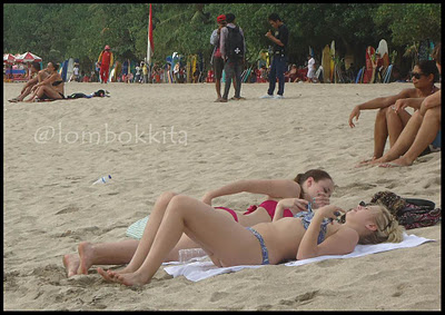 Sexy Girls In Bikini At Kuta Beach Bali
