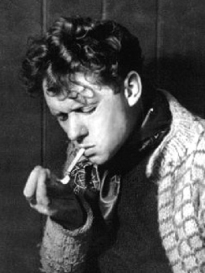 dylan thomas the life of the writer as a child A child's christmas in wales finds work as script-writer for films with the strand film company the life and work of dylan thomas written, designed.
