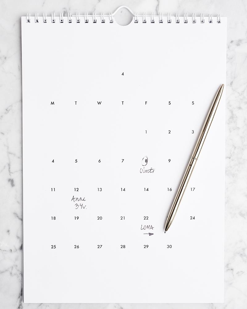 Minimalist Calendar 2016 : Weekdaycarnival calendar giveaway