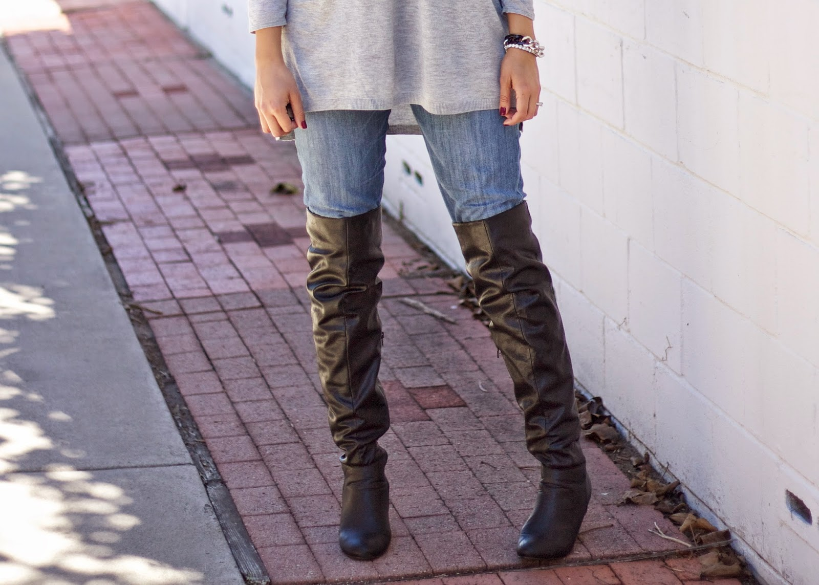 Over the knee details, black leather over the knee boots, blogger wearing over the knee boots, otk boots, fabulous and comfortable over the knee boots, affordable boots from charlotte russe