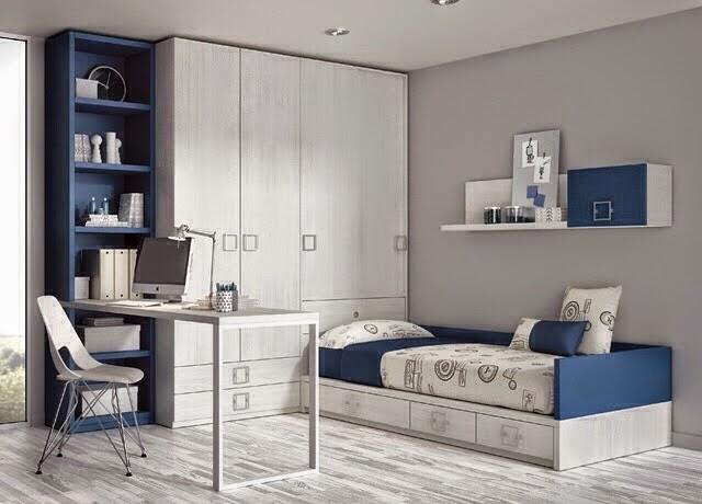 Dormitorio con armario encima de arcon