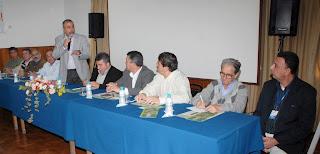 Christino Áureo apresenta projeto de construção de moradias rurais para pequenos produtores