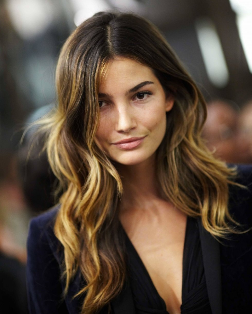 Modern bohemian lifestyle beachy brunette hair so im sharing what inspires me in case any of you beautiful people are in search of some beachy brunette inspiration as well pmusecretfo Images