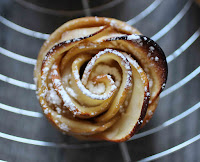 http://camilleenchocolat.blogspot.fr/2015/11/roses-aux-pommes.html