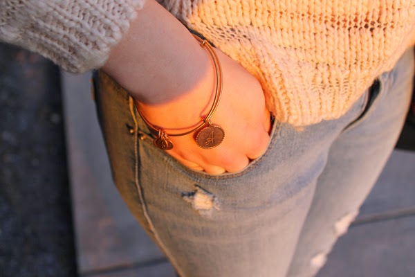 Sweater, boyfriend jeans, Alex & Ani, Alex & Ani bracelet