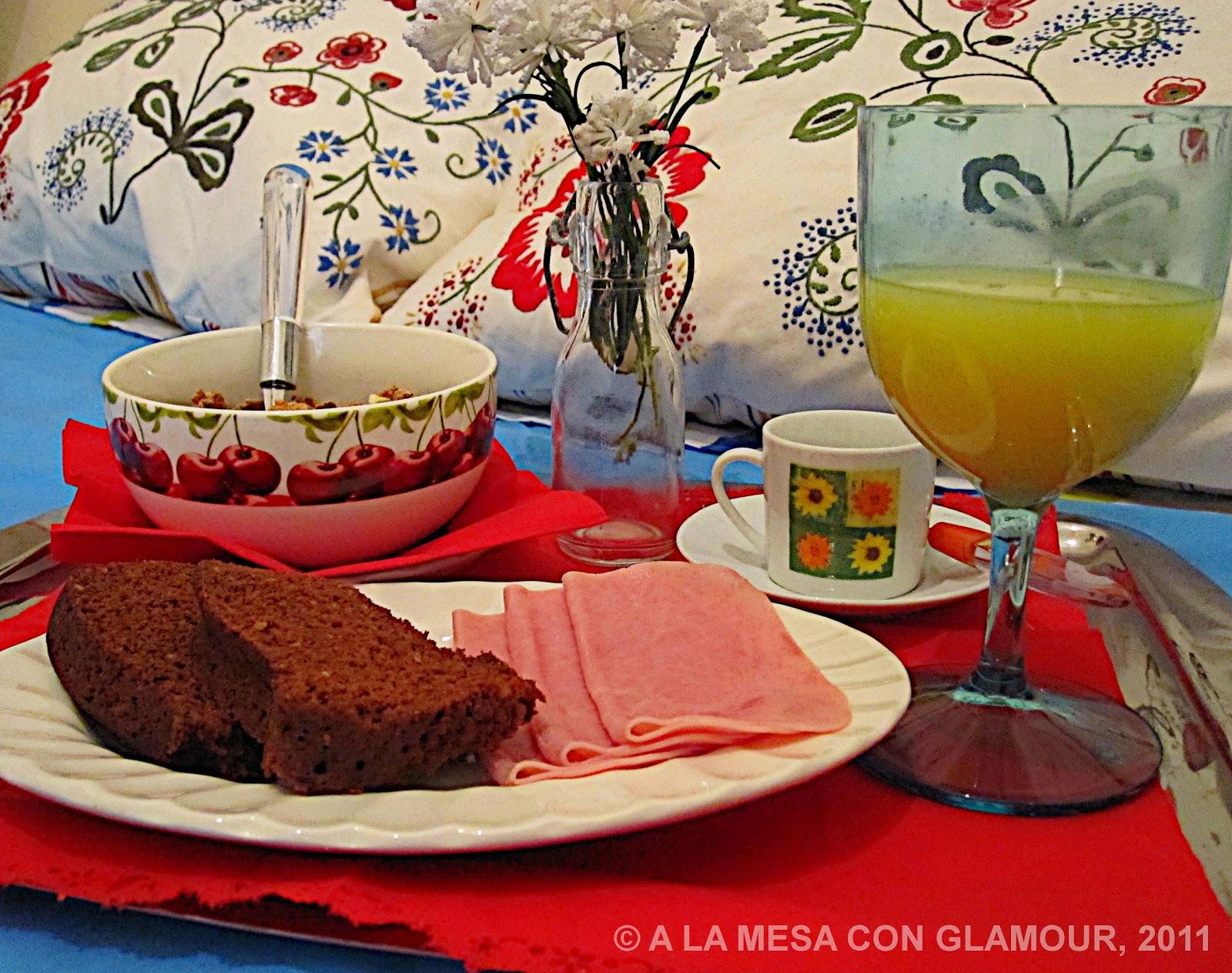 A la mesa con glamour 06 01 2011 07 01 2011 for Mesa desayuno
