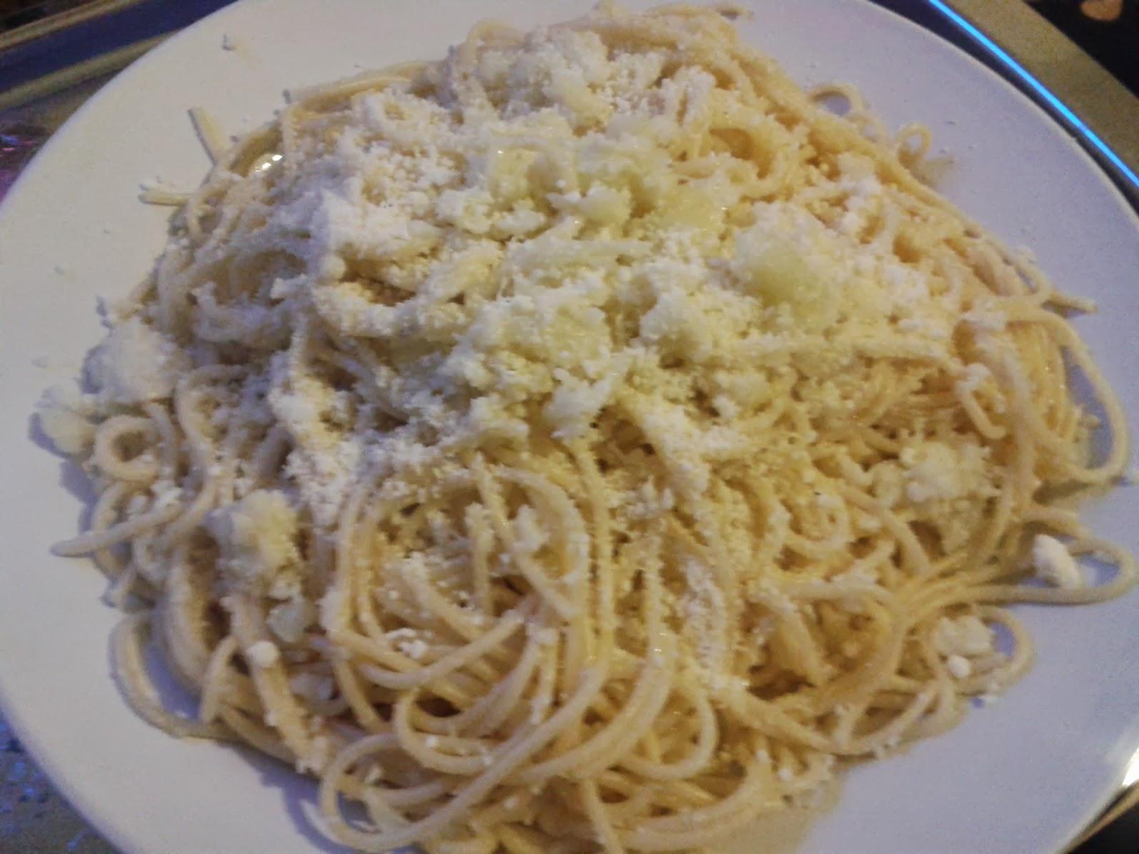 Spaghetti with Cauliflower & Garlic - Spaghetti con cavolfiore e aglio ...