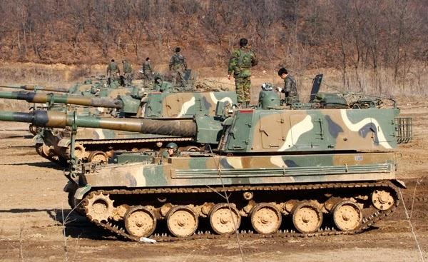 Tank K9 Thunder 155mm Self-Propelled Howitzer