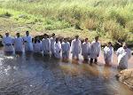No dia 08/05/2011 foi batizado 10 novos membros para gloria de Deus