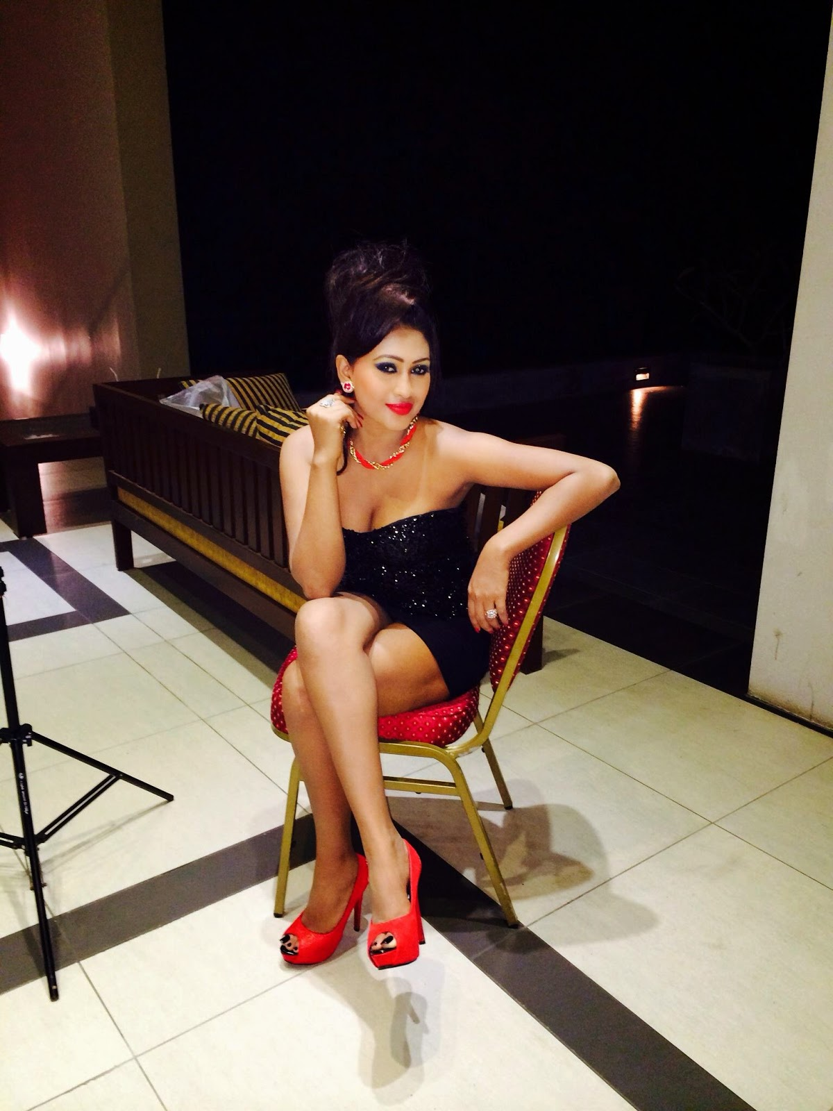 Piumi Hansamali crossed legs gala