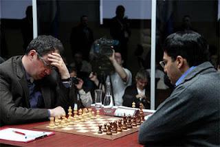 Echecs à Moscou : Boris Gelfand se concentre avant d'affronter le champion du monde en titre Vishy Anand - Photo © Chessbase